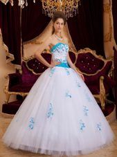 White A-line Quinceanera Dress Sweetheart Tulle Appliques