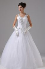 Straps Decorate Shoulder Wedding Dress with Appliques
