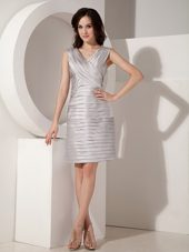 2013 Grey Ruching V-neck Short Mother of The Bride Dresses