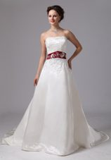 Wine Red and White 2013 Embroidery Wedding Dress Court Train
