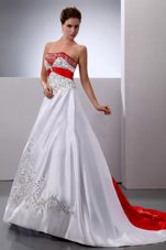 New Arrival Colored Wedding Dress Embroidery Beaded Court Train