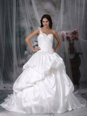 Popular One shoulder Wedding Dress Court Appliques