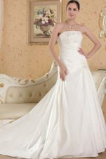 Popular A-line Chapel Appliques Wedding Dress Strapless