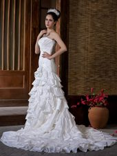 Mermaid Appliques Popular Wedding Dress Ruffled Layers