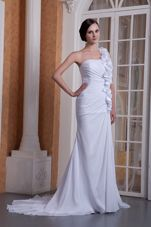 2013 Pretty One Shoulder Hand Made Flower Wedding Dress Train