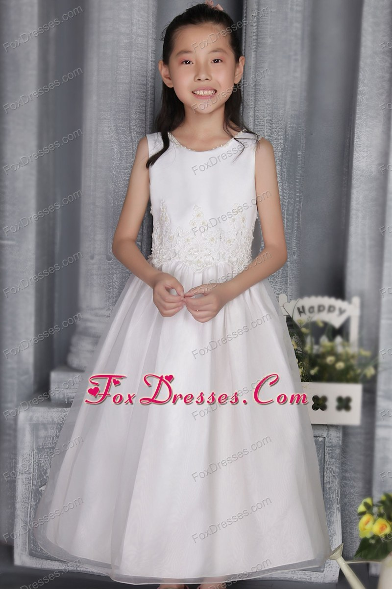 A-line Princess Scoop White Appliques Flower Girl Dress
