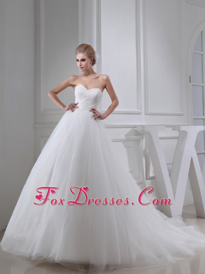 Appliques With Lace Sweetheart Ball Gown Chapel Train Wedding Dress