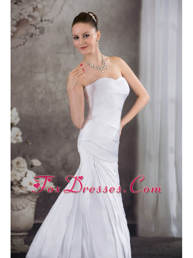 Sweetheart A-line Brush Train Pleat Wedding Dress