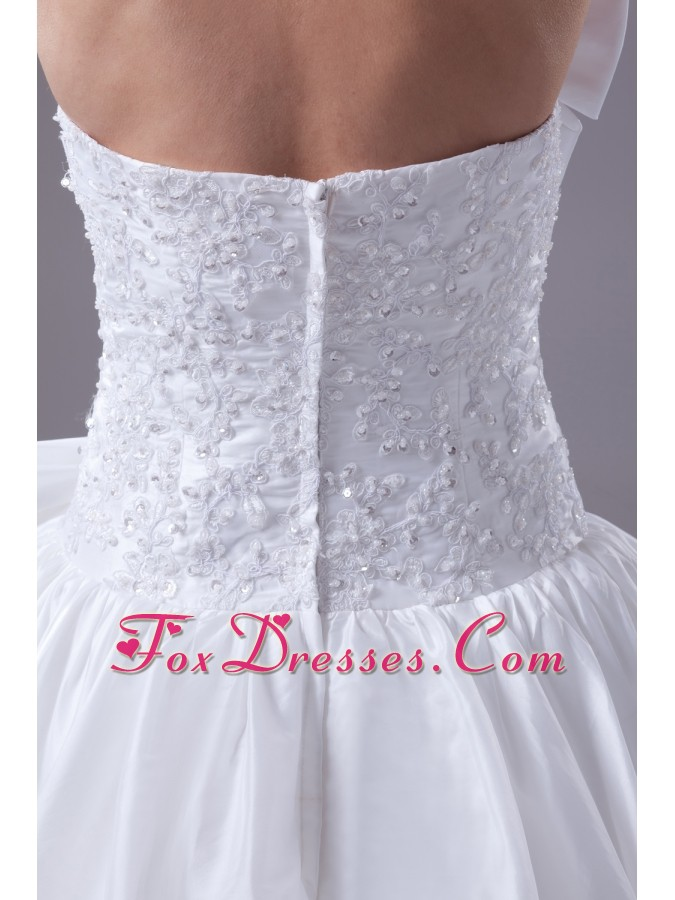 wedding dresses and bridesmaid dresses around 200 for wedding ceremony