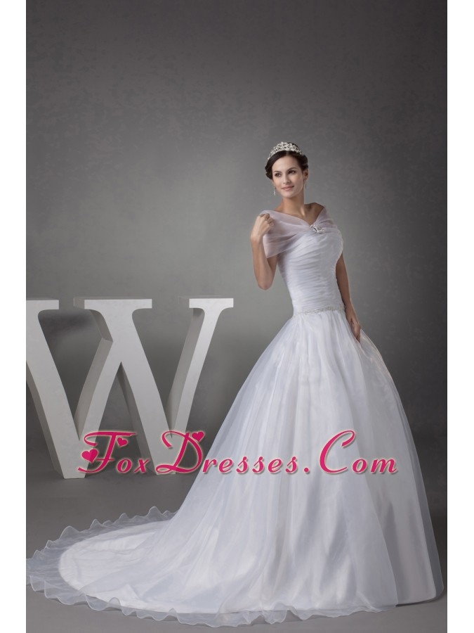 elegant outdoor used wedding dresses