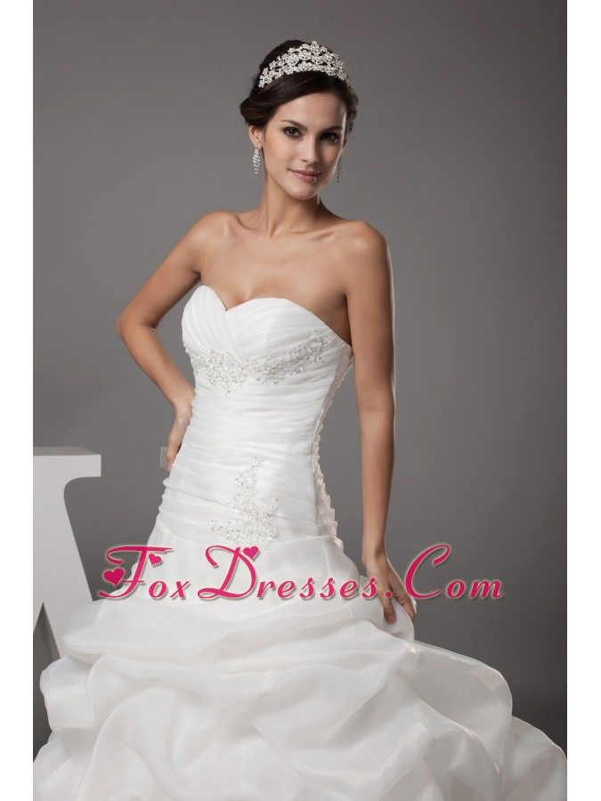 affordable wedding dresses for cheap in march