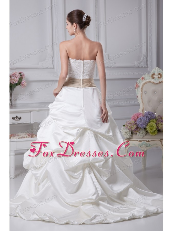 2013 classic vintage style wedding dresses