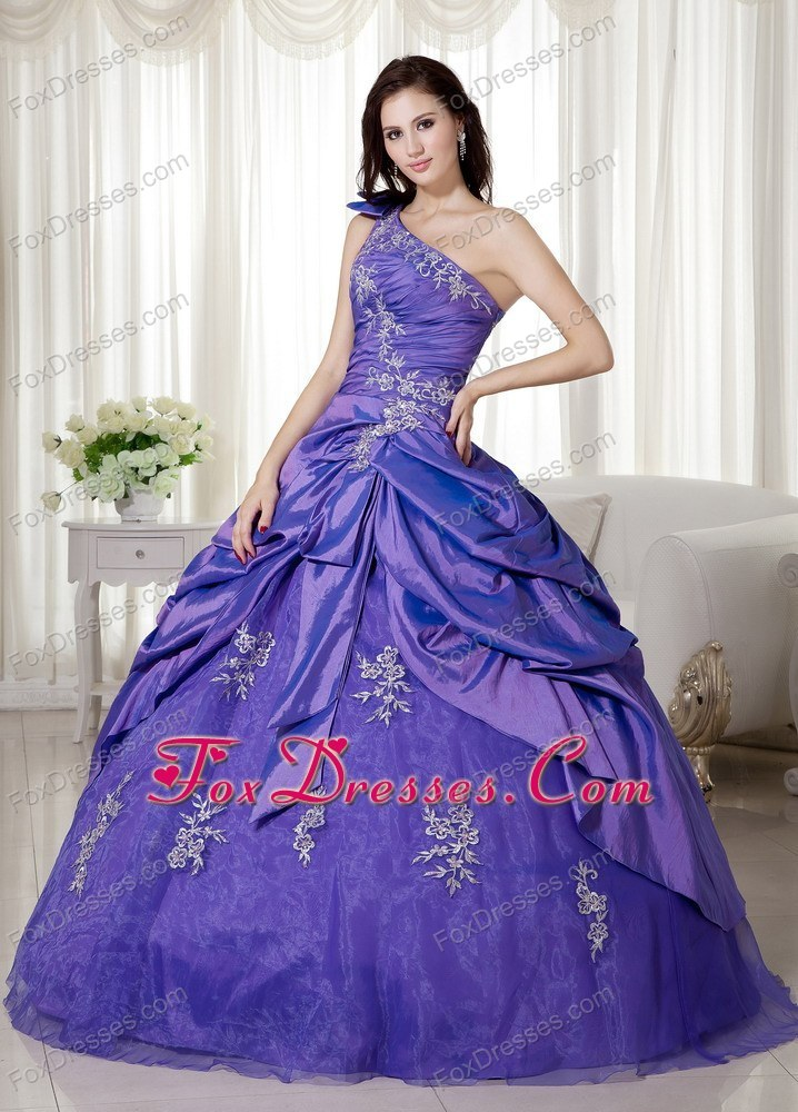 luxurious quinceanera gown