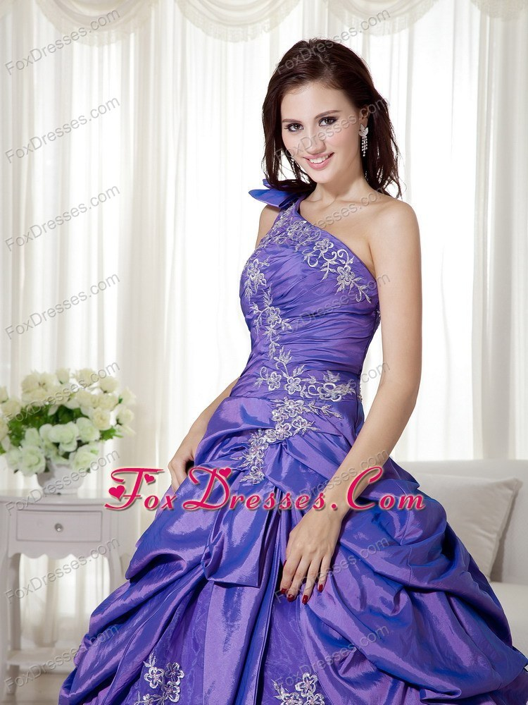 recommended ball gown quincenera dresses in june