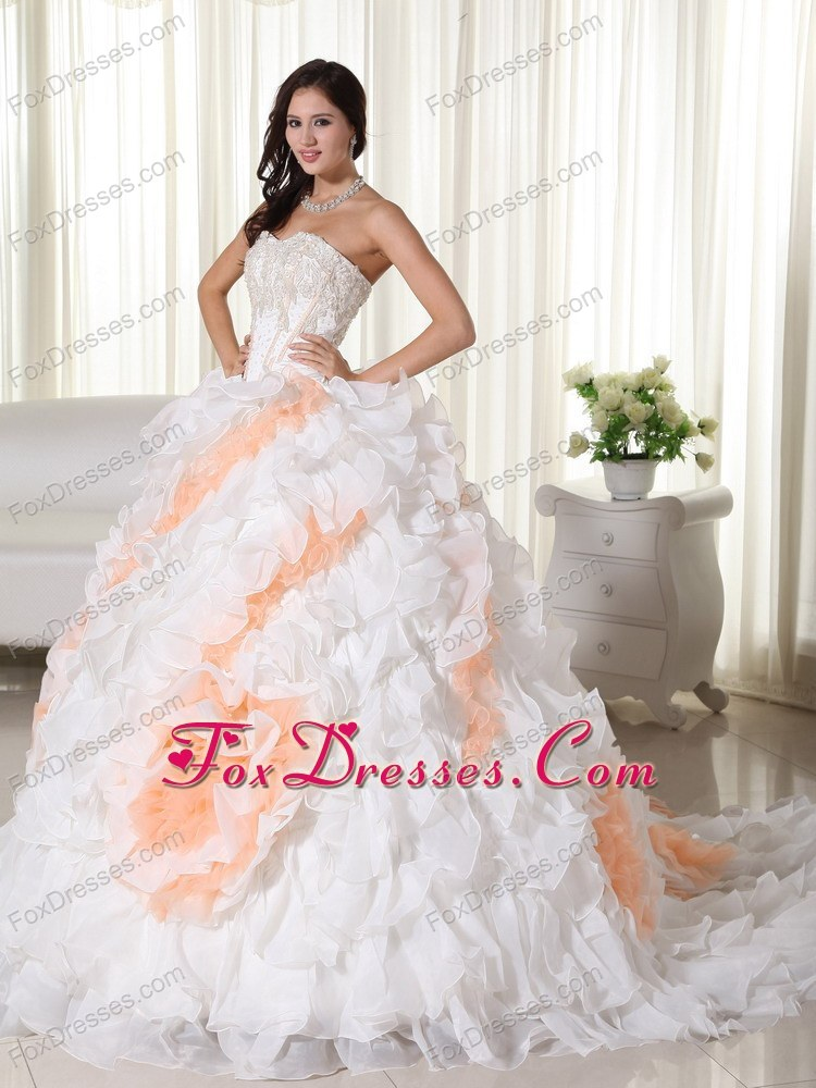 sleeveless wedding bridal gown perfect autumn