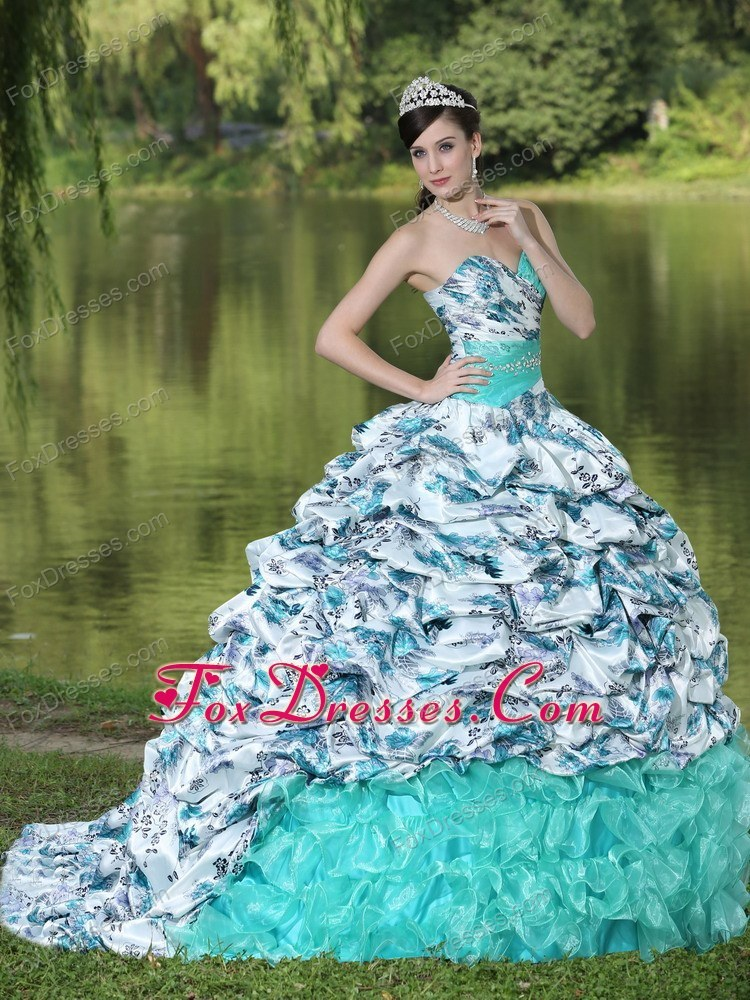 where to find beautiful customer made quinces dresses