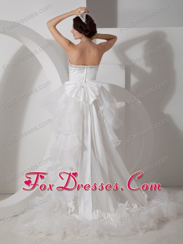 april sleeveless bridal gowns indoor wedding