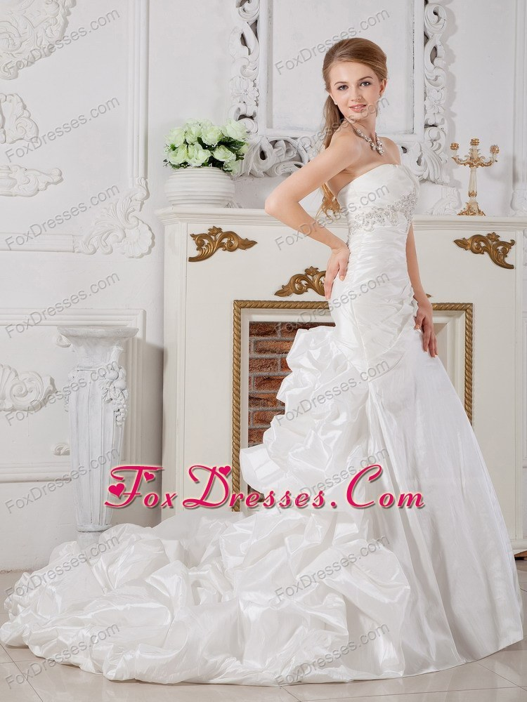 fall independence day bridal gowns veil
