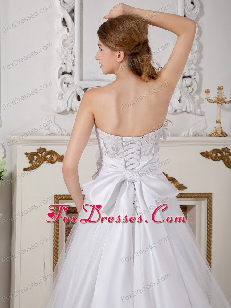 gloves must have sleeveless wedding gown
