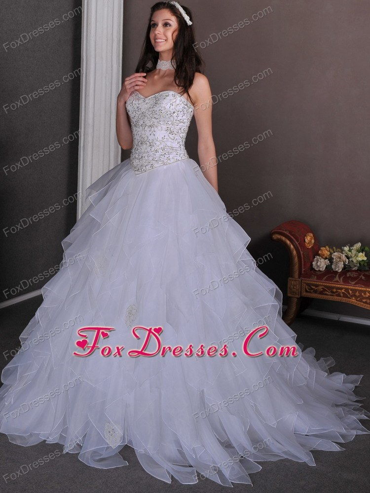 2013 A-line Chapel Organza Beading Ruffles Wedding Dress
