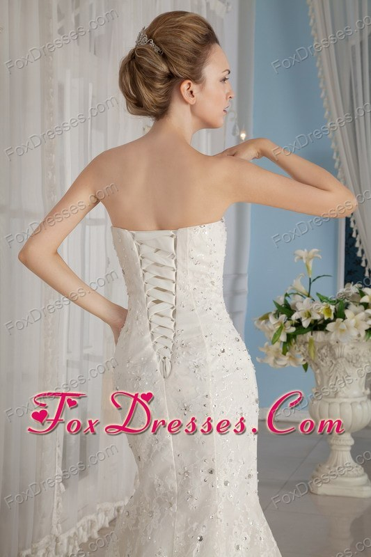 Luxurious wedding dress 2013 trumpe court lace beading for Off the rack wedding dresses near me