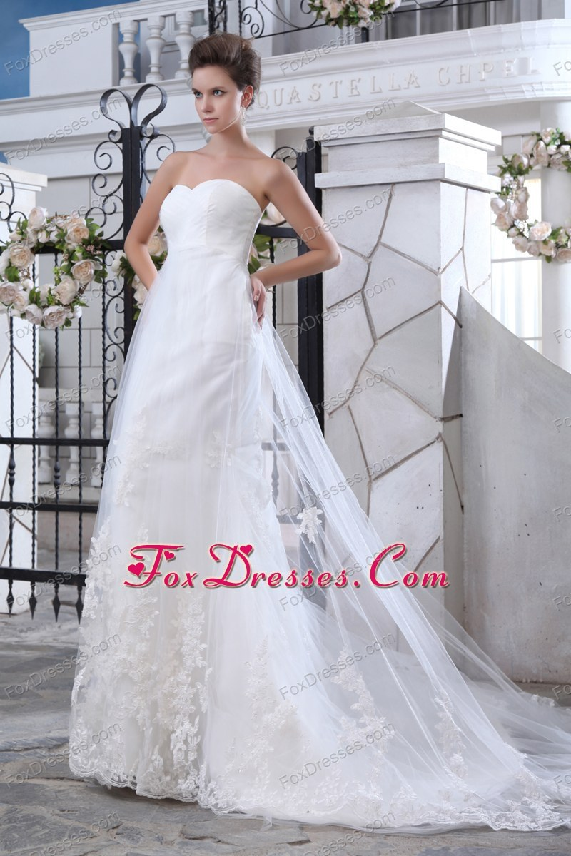 exquisite wedding dress for your daughter