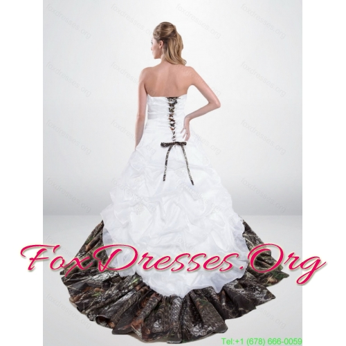 Popular Lace Up Beaded Camo Wedding Dresses with Chapel Train