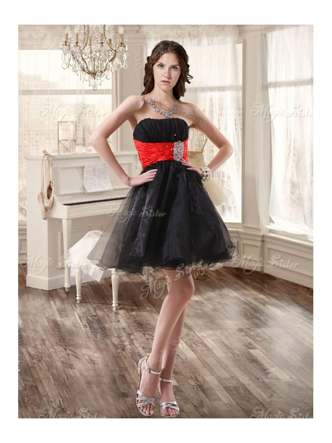 Pretty Zebra Ruffled Red and Black Quinceanera Dress and Beaded Short Dama Dresses