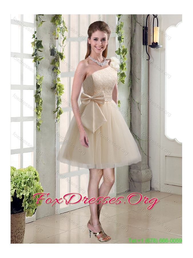 2015 Princess One Shoulder Bowknot Lace Bridesmaid Dresses in Champagne