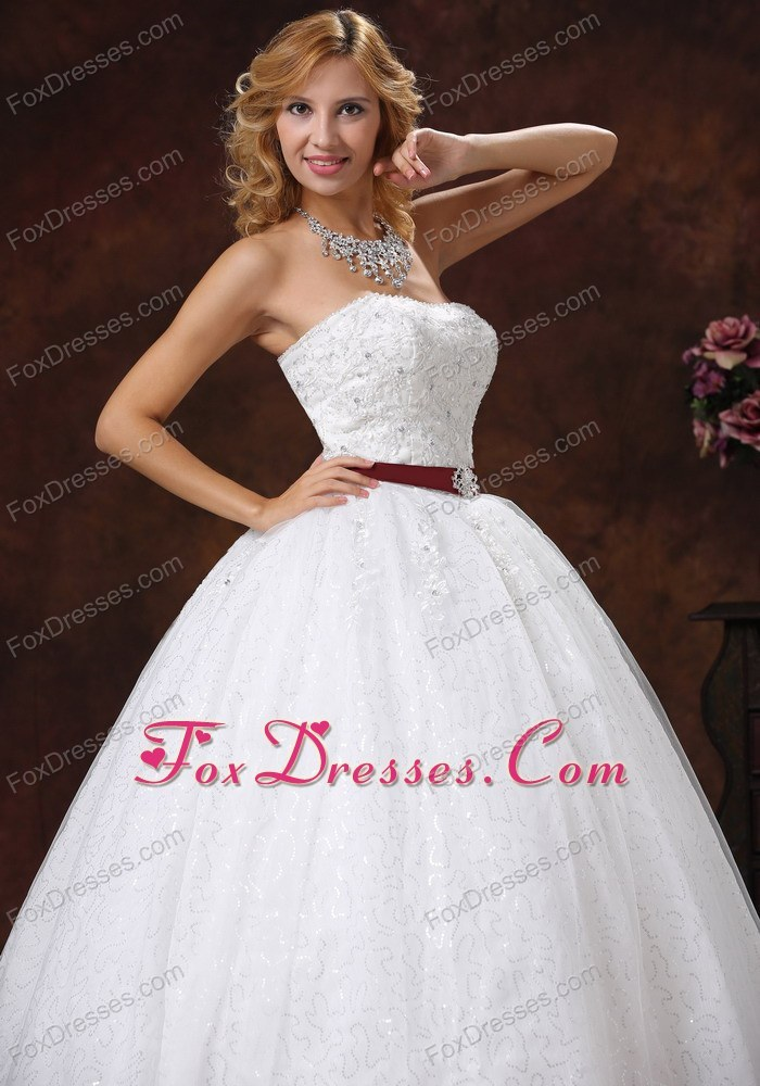 how to choose strapless wedding dressed