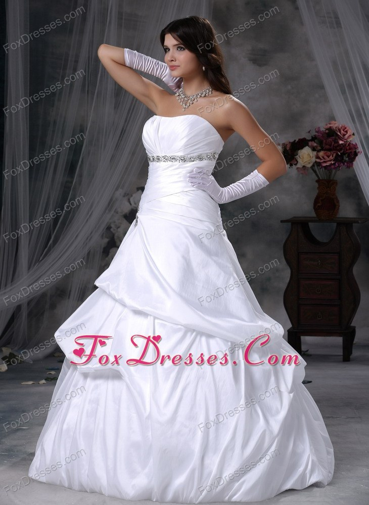 2013 attractive discounted wedding dress with ruches