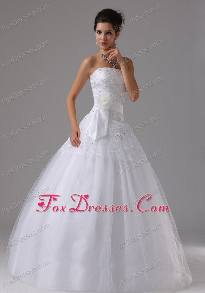 fashion wedding gown with lace up