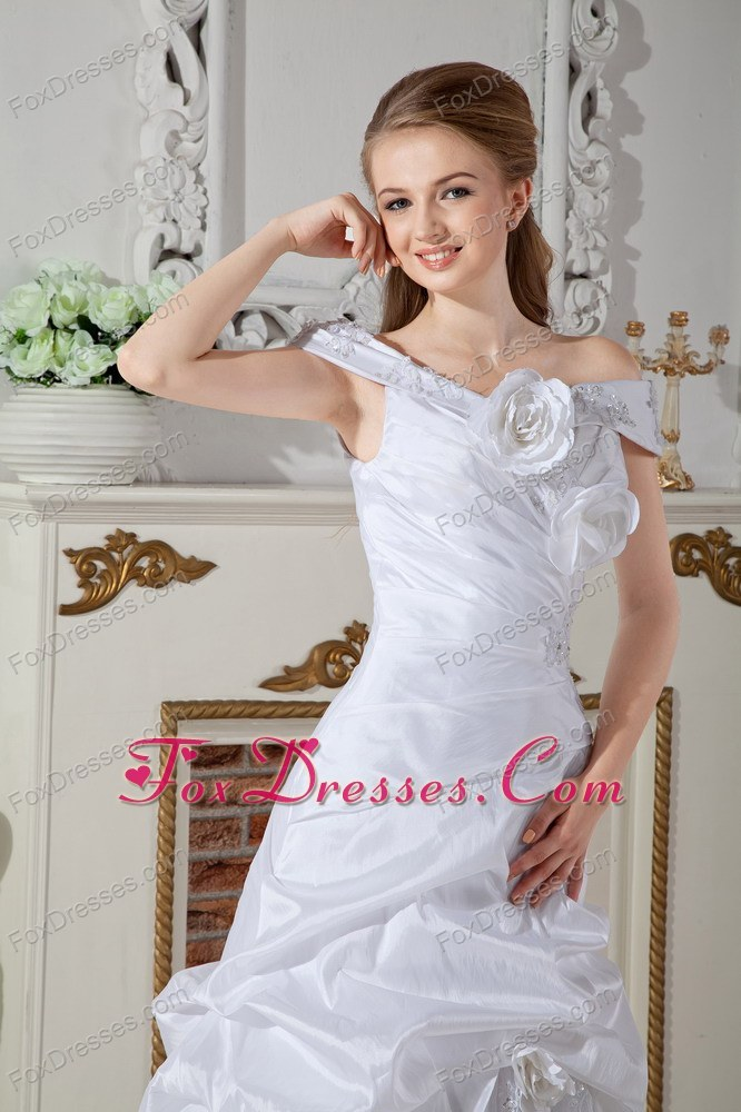 2013 2014 appliques wedding dress for rent