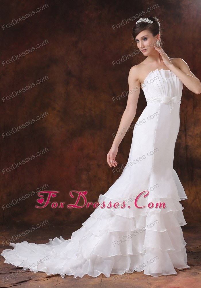 2013 summer low price beaded wedding dress with brush train for weddings