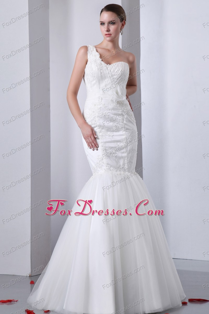Fashionable Mermaid One Shoulder Appliques Brush Train Bridal Gown