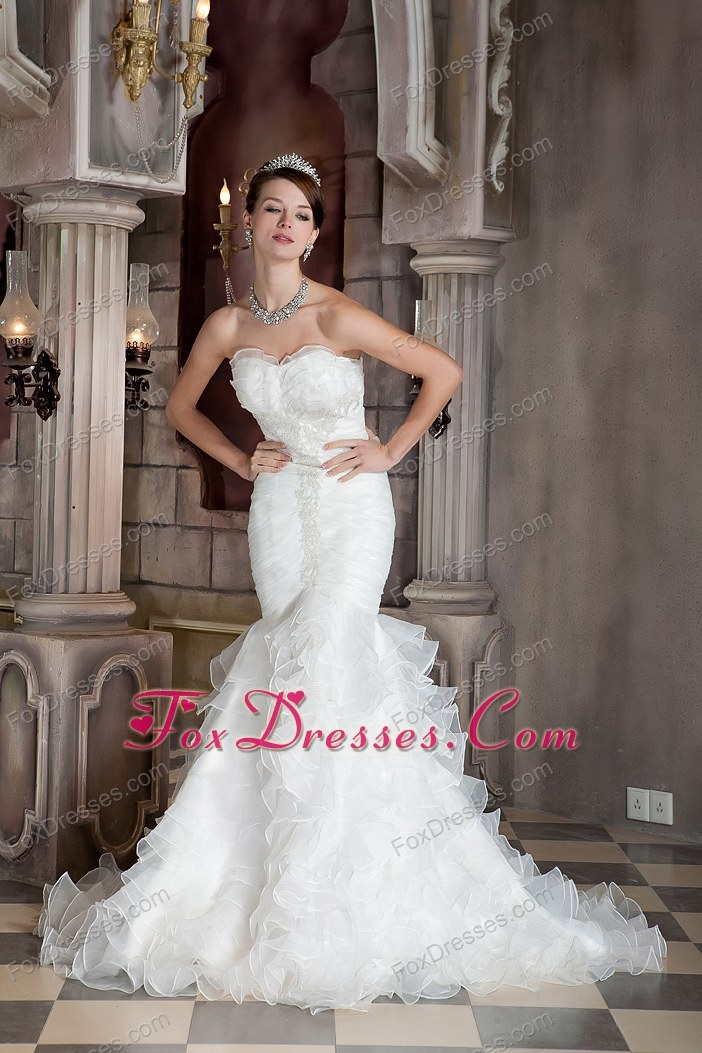 Graceful Mermaid Sweetheart Ruffled Train Wedding Dress