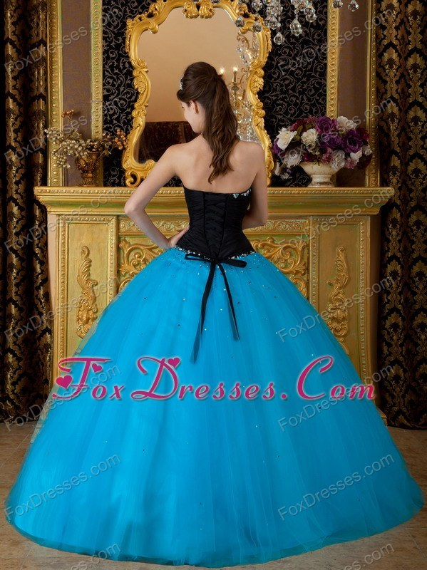 princess dresses for a quince with dama dresses