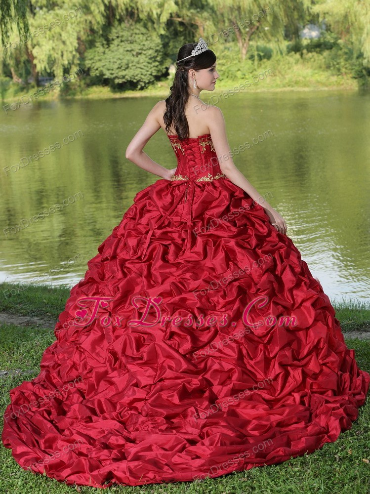 modest ball gown dress for quinceaneras