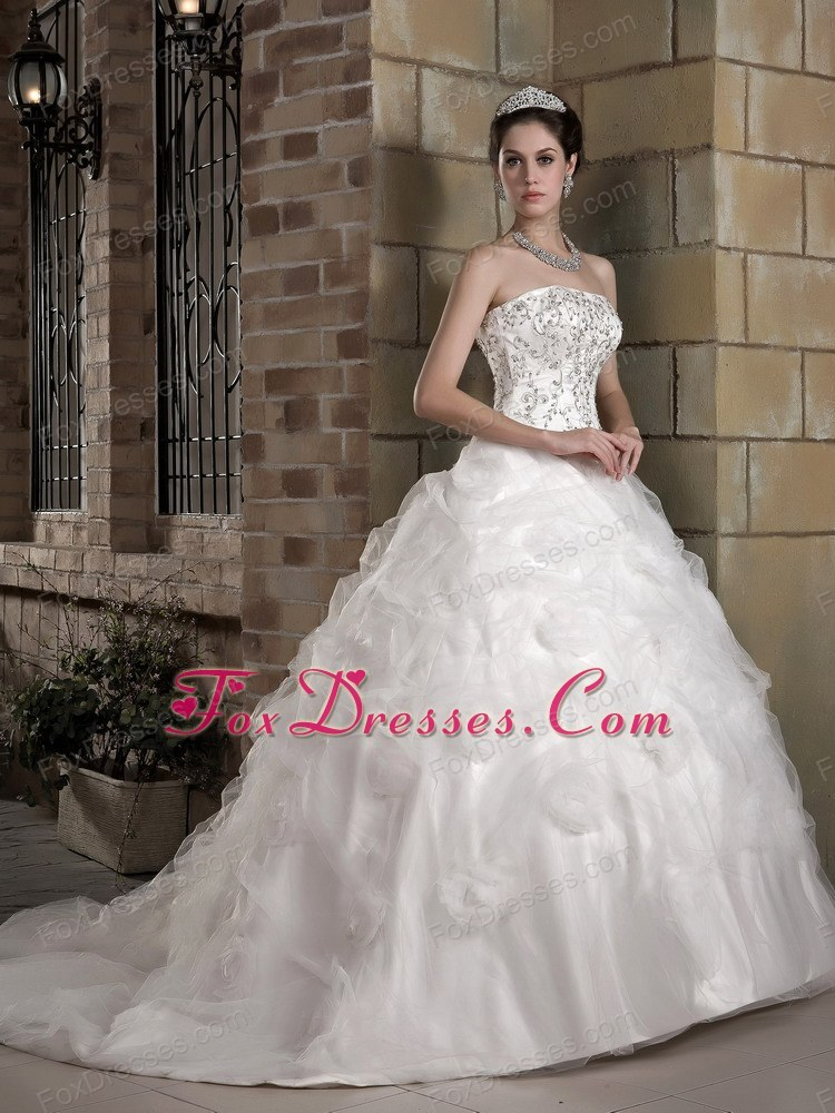 new style white ruched bridal dress