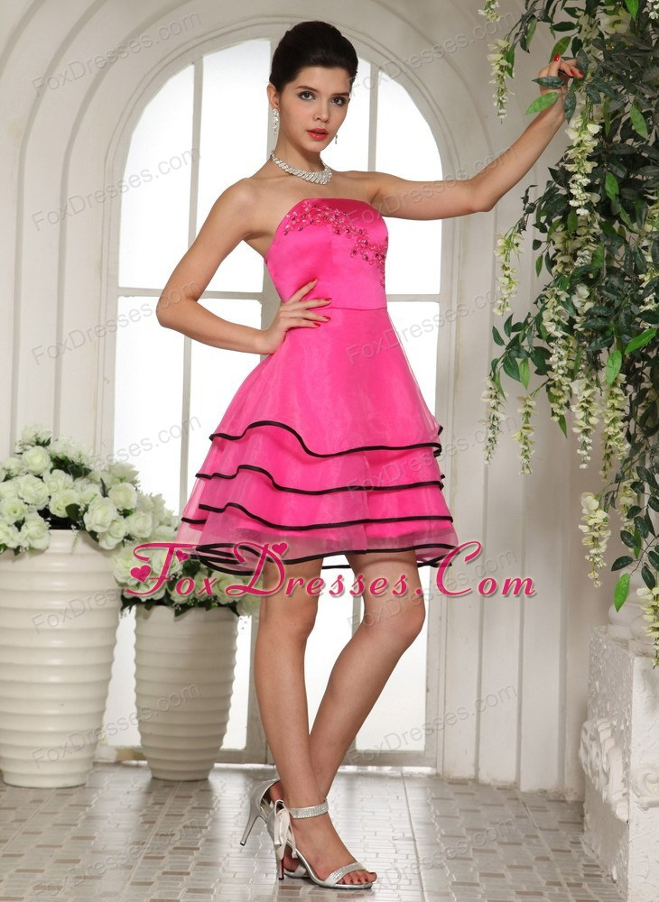 Hot Pink And Black Dama Dresses With Appliques And Beading