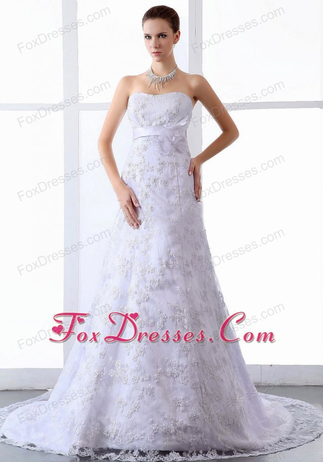 Lace Appliques Elegant Wedding Dress Tulle Sweep Train