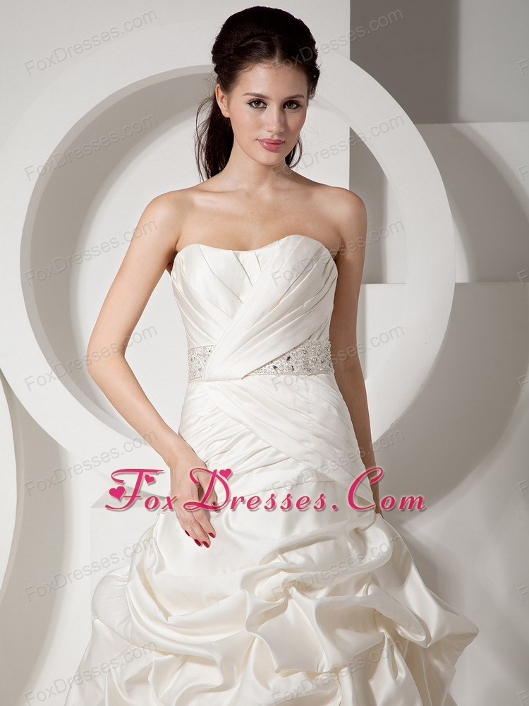 2013 spring impressive wedding dress in womens day