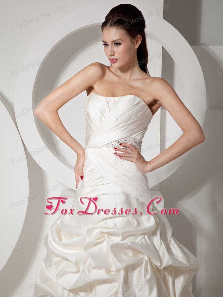 classic impressive wedding dress in mothers day