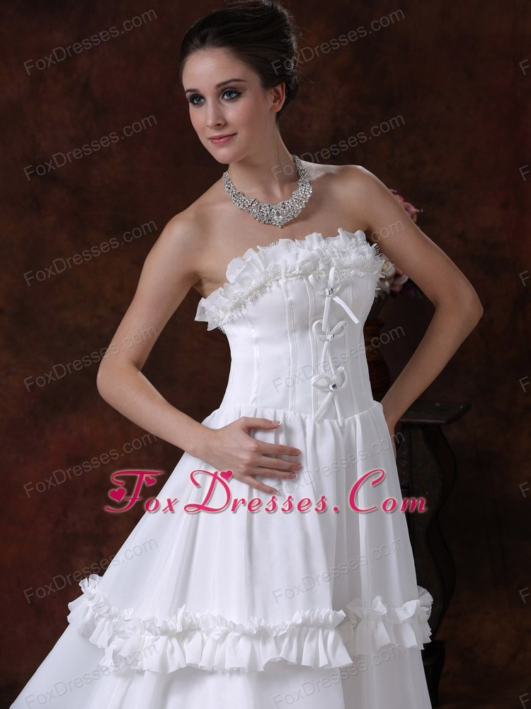 new luxurious wedding dress for destination wedding