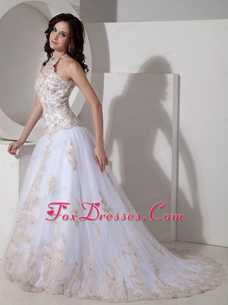 exquisite wedding dress for hidden marriage in style