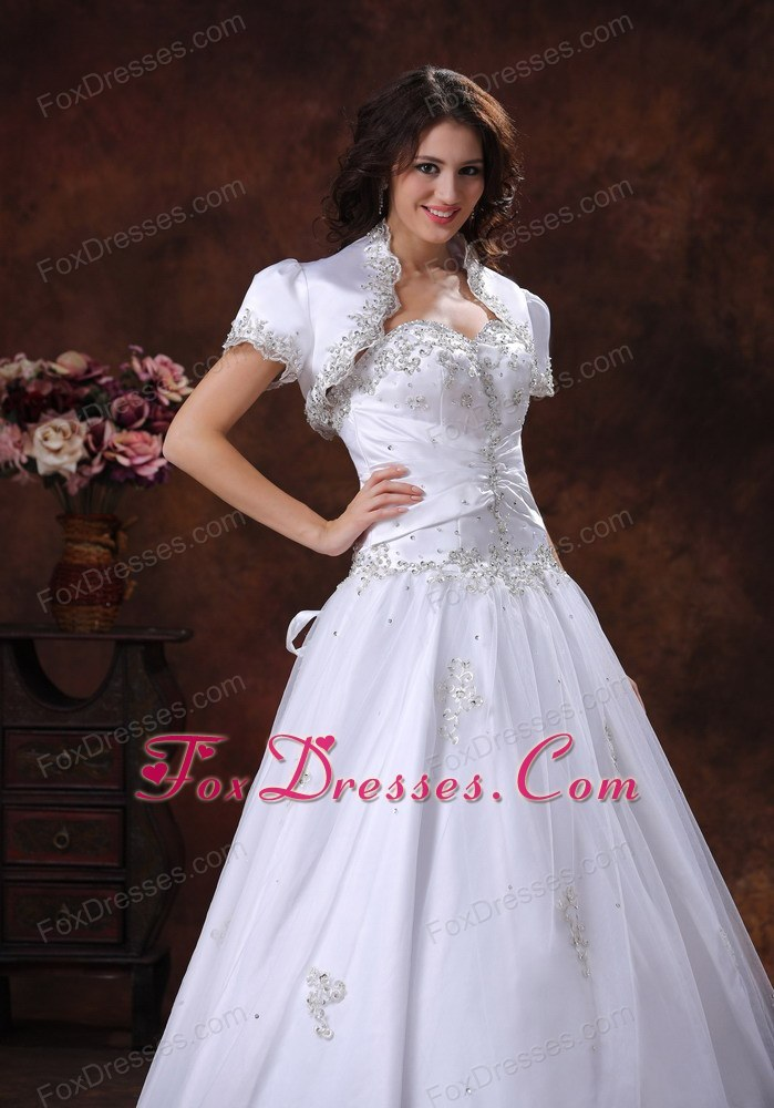 simple wedding dress for mass wedding