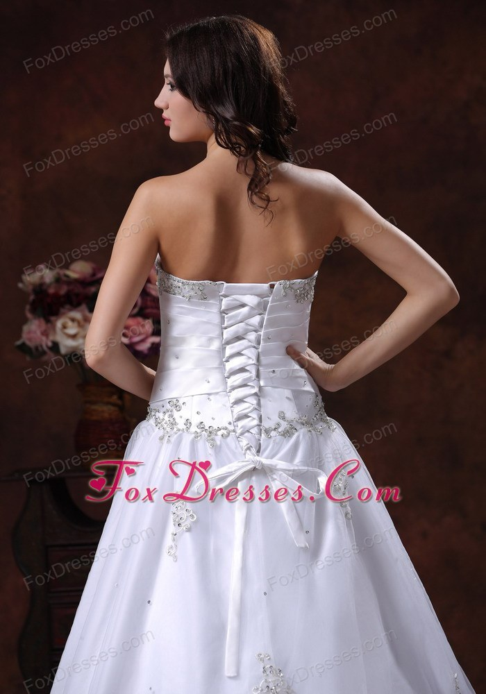 affordable wedding dress for heterosexual wedding