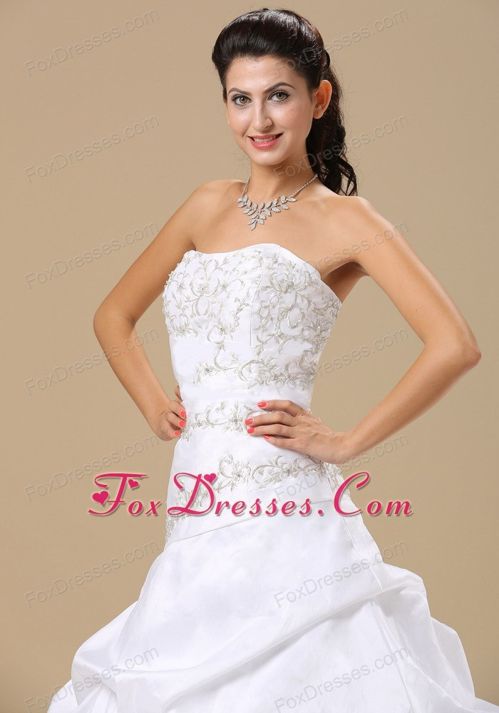 pretty perfect bridal gowns in special occasion