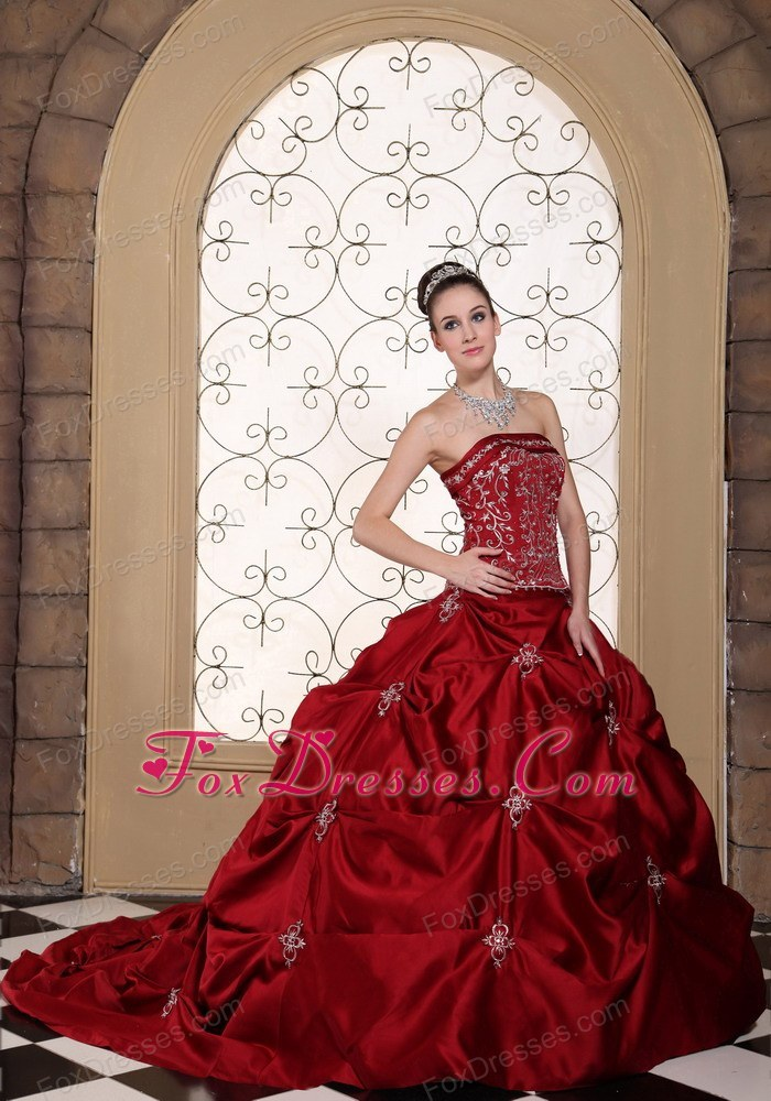 online garden dress for brides with fitted waist