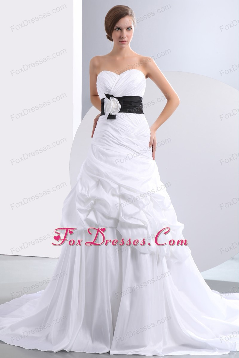 Hand Made Flower Pick-ups Wedding Dress Ruched Chapel Train